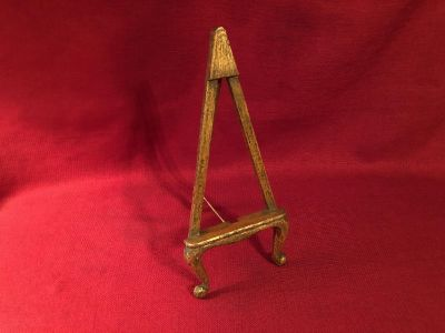 5 x 12 Wood Picture Stand. EUC