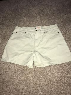 Women s size 12 shorts good condition