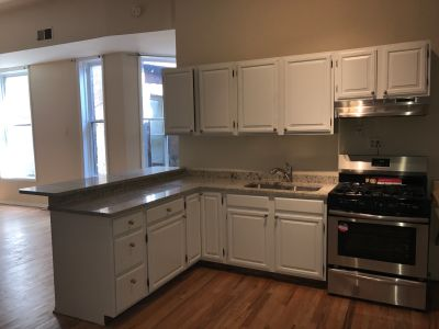 HUGE 3BR LOFT/ In-unit Laundry - Central HVAC - Stainless Steel Appliances