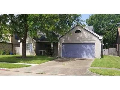 3 Bed 2 Bath Foreclosure Property in Pearland, TX 77584 - Wentworth Dr