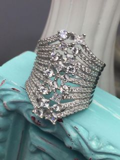 Gorgeous White Diamond Simulant Rhodium Over Sterling Silver Ring Size 7