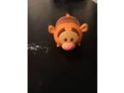 Disney Tsum Tsum Stack Vinyl Tigger Size MEDIUM *Will