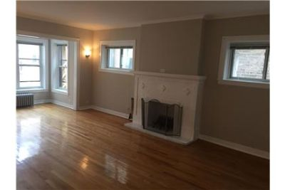 SUN-FILLED-2 Bed 2 Bath-1st Floor/Laundry In-Unit