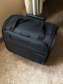 Briggs & Riley carry on suit case