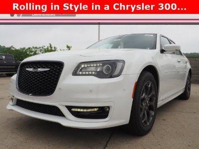 2018 Chrysler 300 S V6 ()