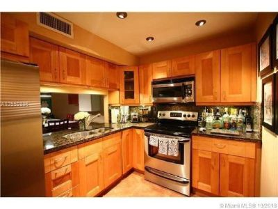 Miami Beach: 1/1 Great location apartment (Lenox Ave., 33139)