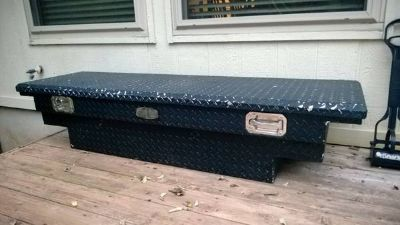 Black Tread Tool Box for Pick Up