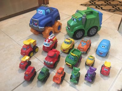 Tonka Cars. 8 sm cars, 7 med cars, and 2 lg cars. The large dump truck can store the sm cars inside
