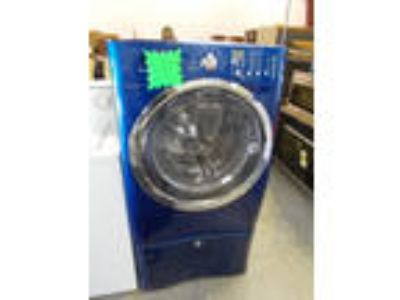 AP3551 Electrolux Used 4.4 Capacity Front Load Washer w/Ped.
