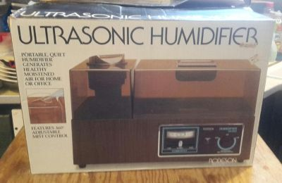 Ultrasonic Humidifier by Robeson