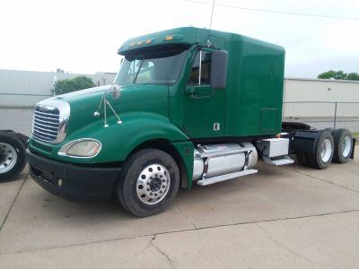 2008 Freightliner semi Other South Hutchinson, KS