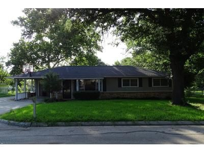 4 Bed 2 Bath Preforeclosure Property in Justin, TX 76247 - S Snyder Ave