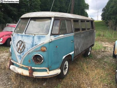 1967 VW Bus 13 Window Deluxe