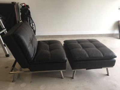 SINGLE COUCH