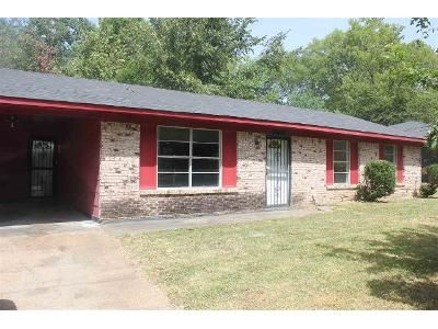 3 Bed 1.5 Bath Foreclosure Property in Jackson, MS 39209 - Queen Mary Ln