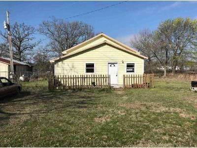3 Bed 1 Bath Foreclosure Property in Tahlequah, OK 74464 - N 490 Rd