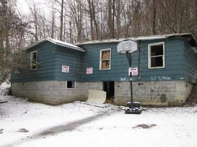 1 Bed 1 Bath Foreclosure Property in Hazard, KY 41701 - Albert Hall Rd