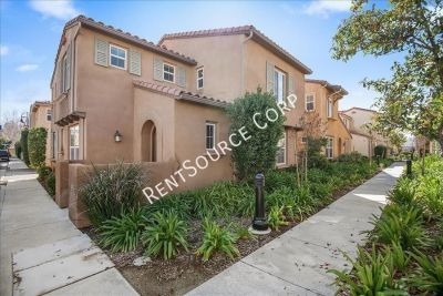 3 bedroom in Castaic