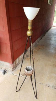 Vintahe Mid Century Floor Lamp