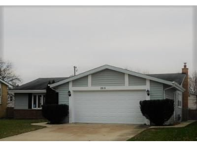 3 Bed 2 Bath Foreclosure Property in Mount Prospect, IL 60056 - W Locust Ln
