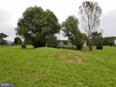 2 Running Pump Rd Newville, Spacious manufactured home with