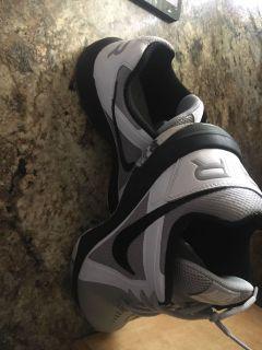 Nike sneakers men s 8.5