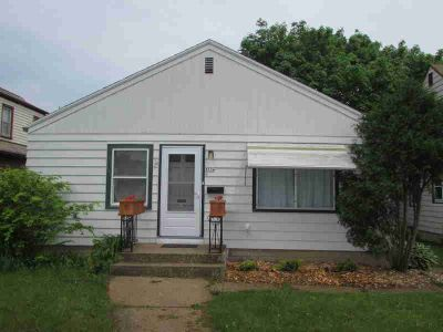 3536 N 58th Blvd Milwaukee Two BR, Nicely updated Ranch in move