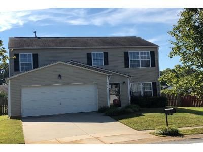 3 Bed 2 Bath Preforeclosure Property in Charlotte, NC 28269 - Duxford Ln