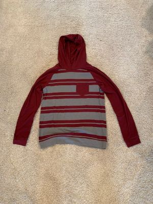 Boys Hooded Teee size L
