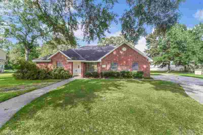 22030 Robin Road Hockley Three BR, move out to the country before