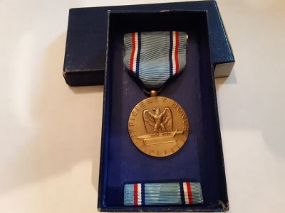 AIR FORCE VINTAGE MILITARY MEDAL WITH BAR FOR GOOD CONDUCT