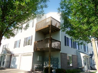 Fantastic 3 Bedroom Apple Valley Townhome close to everything!