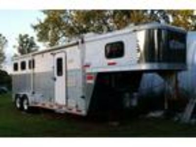 Aluminum 3Horse Slant Load Full Living Quarters