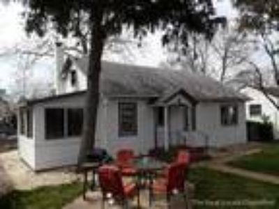 private ranch home, large den, sun room, washer/dryer, quiet street