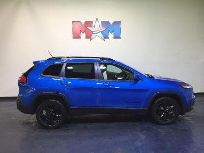 2018 Jeep Cherokee Latitude (PBJ Hydro Blue Pearl Coat)