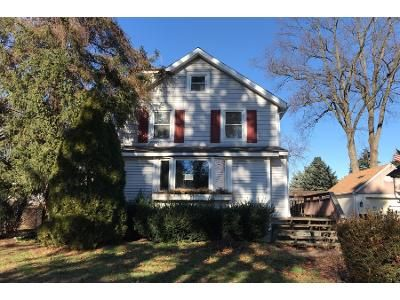 2 Bed 1 Bath Preforeclosure Property in Langhorne, PA 19047 - Highland Ave