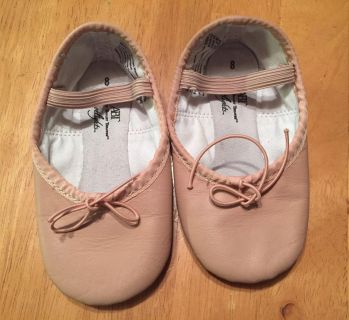 Toddler Size 8 ballet slippers $5, used for one class and around the house. Located in Bethlehem. Cross posted.