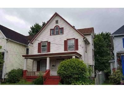 4 Bed 1 Bath Preforeclosure Property in Canton, OH 44708 - Columbus Ave NW