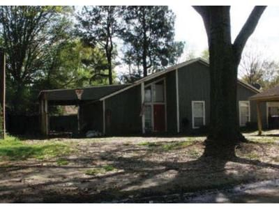 3 Bed 2 Bath Foreclosure Property in Greenville, MS 38701 - Witchtree Rd