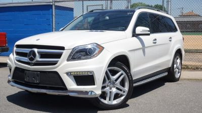 2016 Mercedes-Benz GL 4MATIC 4dr GL 550 AMG SPORT (Polar White)