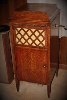 ANTIQUE PATHE Model VII 7 CRANK WINDUP PHONOGRAPH RECORD PLAYER IN OAK CABINET