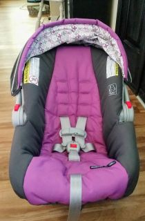 Graco SnugRide Click Connect 30 Carseat