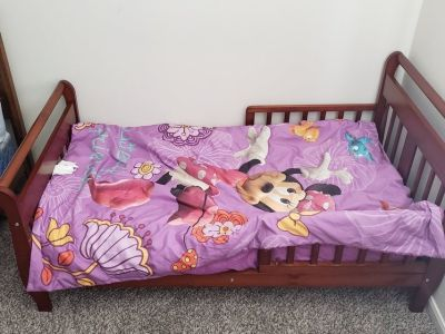 Minnie toddler bedding with sleigh bed