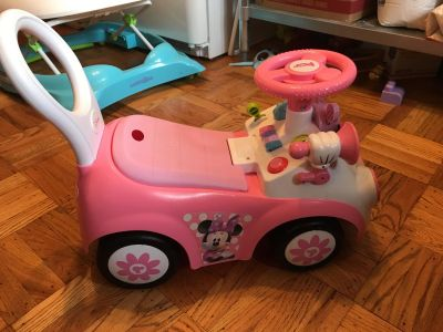 Minnie Mouse Ride on toy