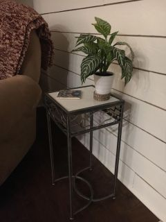 Plant stand / small side table