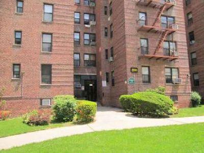 OPEN HOUSE 2555 Batchelder St. #2F