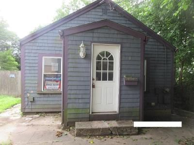 2 Bed 1 Bath Foreclosure Property in Coventry, RI 02816 - Highland Ave
