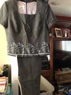 EUC Lightweight Causal Dress Pant Suit - Short Sleeves w/ Embroidered Details - GONE 6/27