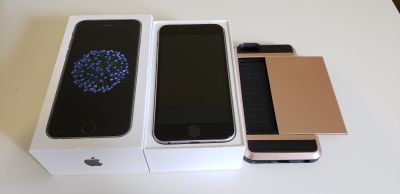 iPhone 6 32GB Unlocked | Mint Condition Screen + Case!