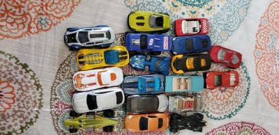 75 matchbox cars with plastic case $20
